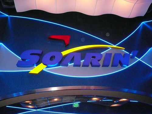 Soarin_Sign_Epcot_Center-Soarin___Epcot-20000000001665318-500x375_zps9059028a