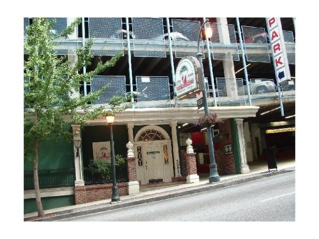 2806905-Its_overpricedits_a_tourist_trapits_FUN_Atlanta